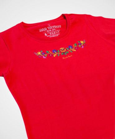 2a41342b644b Dámske tričko Ornament poľné kvety NAD TATROU červené. Symbol optimizmu.