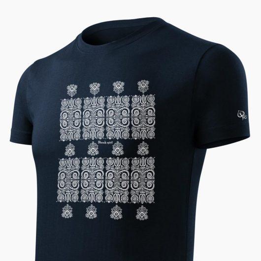 Pánske tričko Modrotlač Kremnica tmavo modré detail - Slovak Spirit
